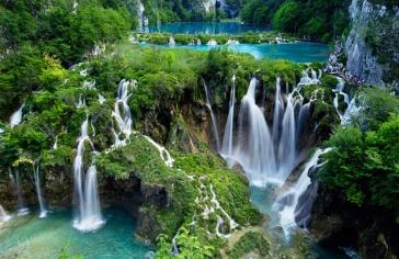 24 май - Плитвички езера, Сплит, Мостар и Сараево